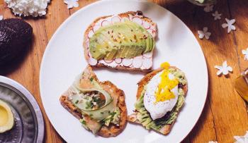 Avocado toast recette oeuf poche